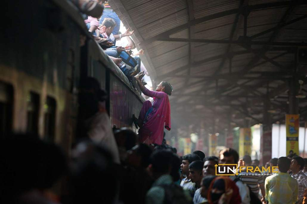 Homebound Bangladeshi train