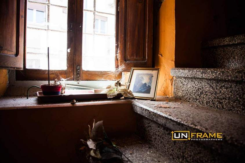 L'Aquila earthquake: the interiors of the houses, fled on a deadly night of six years ago